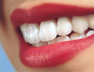 Perfect teeth – a bright accent in Your attractive image